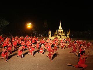 world-wai-kru-ceremony-nai-khanomtom