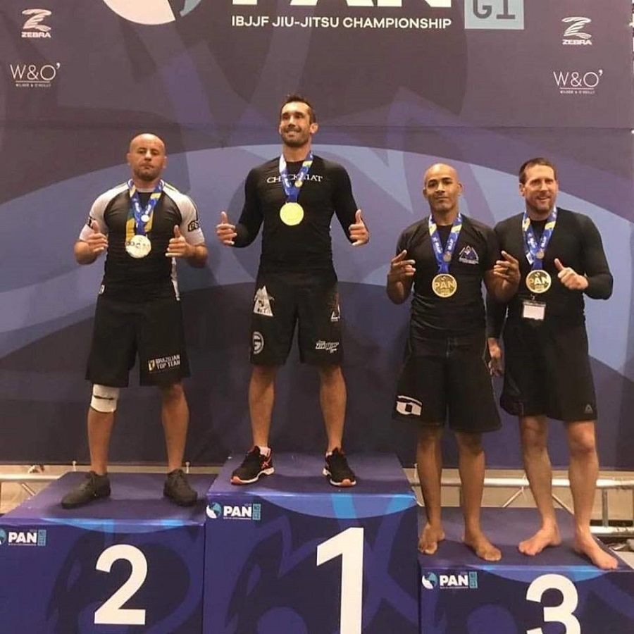 IBJJF podium mauricio carra champion